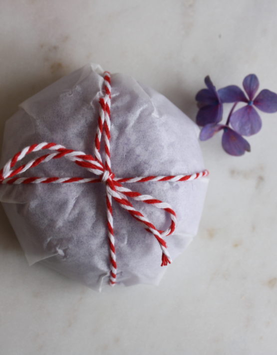 paper wrapped shapoo bar